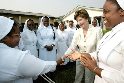 U.S. first lady Laura Bush meets sisters at St Mary's hospital in Abuja