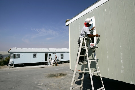 IMAGE: MOBILE HOMES ORDERED BY FEMA
