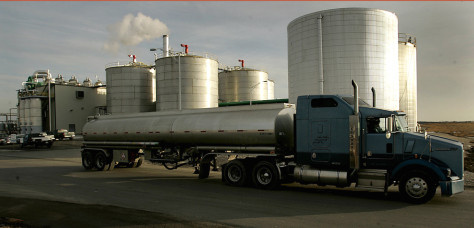 IMAGE: TRUCK CARRYING ETHANOL