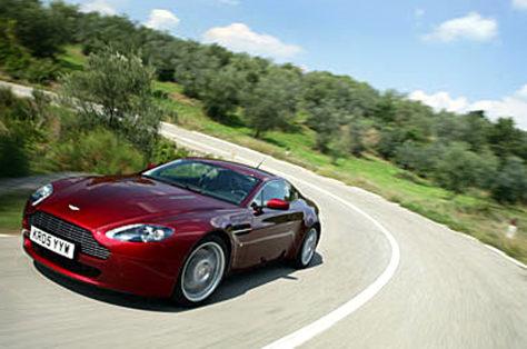 Image: Aston Martin V-8 Vantage coupe