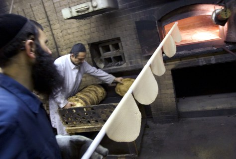 New York Jews prepare for Passover