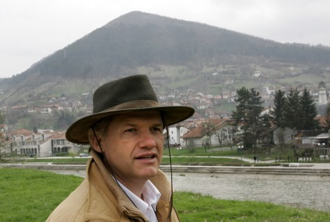 Semir Osmanagic in front of Bosnian hill