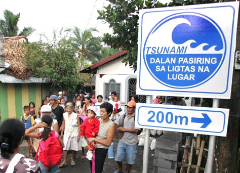 Image: Filipino mock evacuation