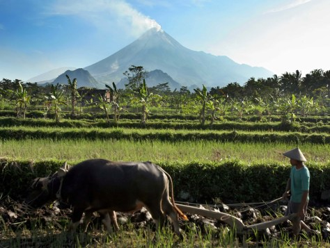 IMAGE: SMOKE FROM MOUNT MERAPI