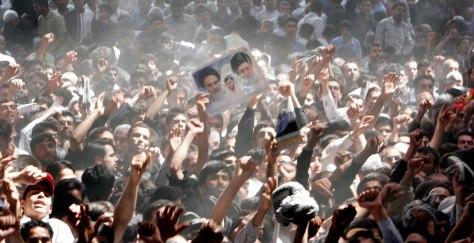 Image: Iranians chant slogans