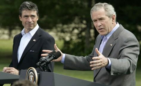 Image: President Bush, Danish PM Anders Fogh Rasmussen