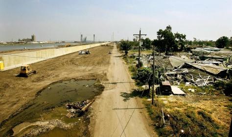 Image:Rebuilding New Orleans' levee system
