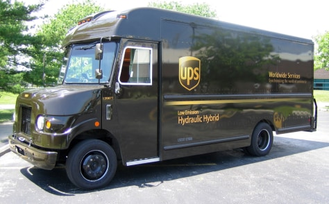 IMAGE: CLEANER UPS TRUCK