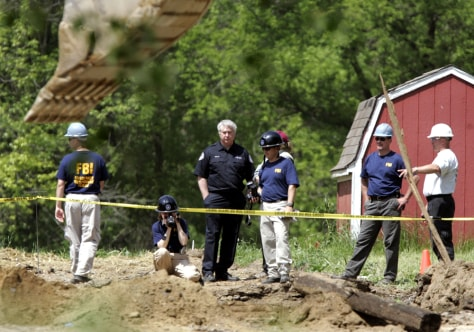 Image: Investigators search for Jimmy Hoffa's remains