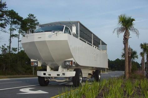 Image: Hydra Terra amphibious bus