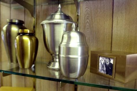Image: Pet urns