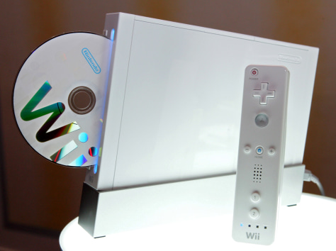 Image: Wii console and controller