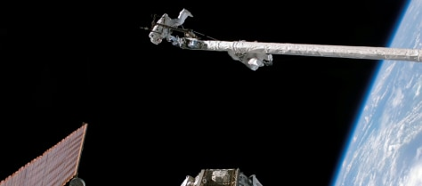 Image: Discovery spacewalkers