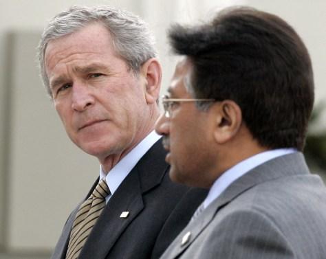 Image: President Bush and Pakistani President Gen. Pervez Musharraf.