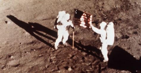 Image: Flag planting