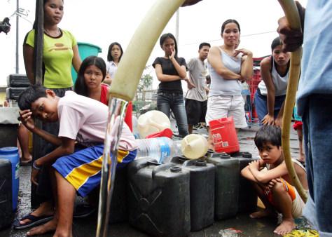 Image: Manila residents