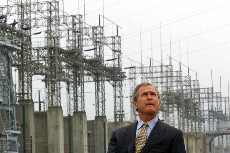IMAGE: PRESIDENT BUSH AT POWER PLANT