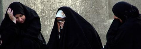 IMAGE: Iraqi women mourn
