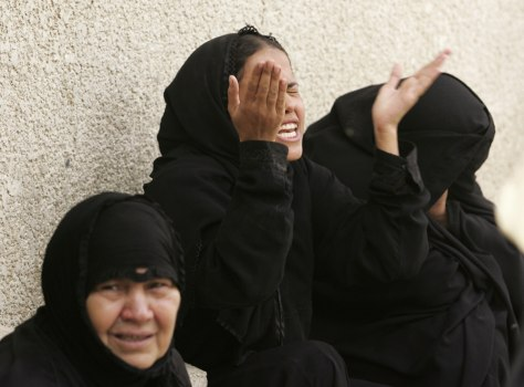 Image: Women in mourning