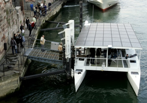 IMAGE: SOLAR POWERED CATAMARAN
