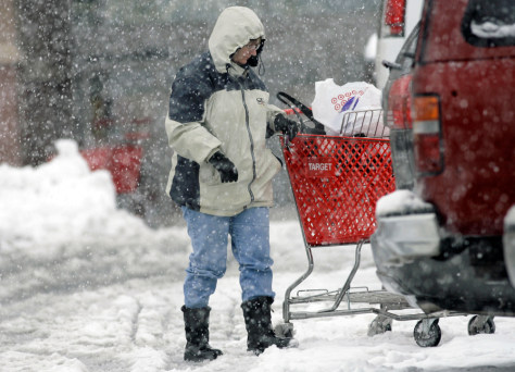 Shopper in Colo. snowstorm
