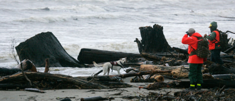 Image: Search for victims of Northwest storm