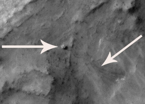 Image: Spirit rover and tracks