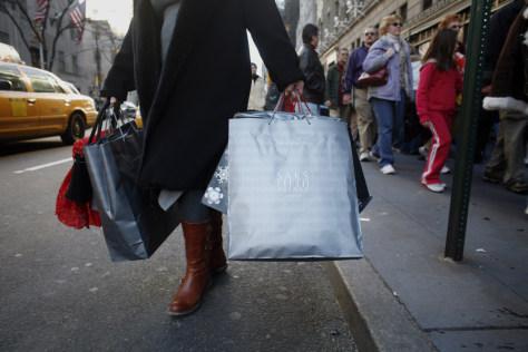 Image: N.Y. shoppers