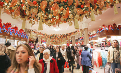 Image: NYC Macy's shoppers