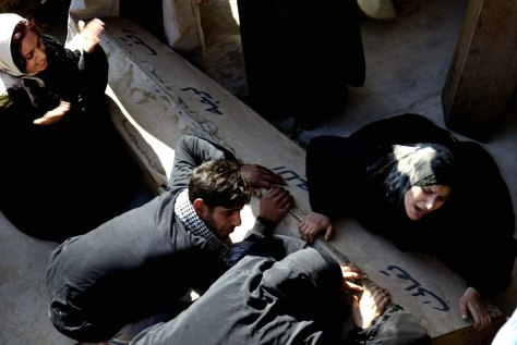 Image: Iraqis mourn