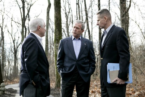 Image: President Bush meets With Gates and Pace