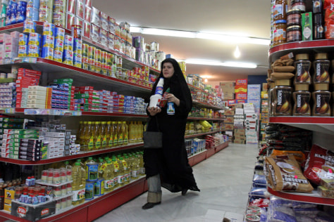 IMAGE: Shopping in Tehran