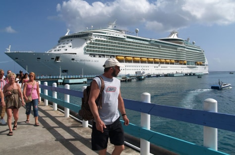 Image: Cruise passenger
