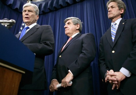 Senators hold press conference on Iraq War resolution