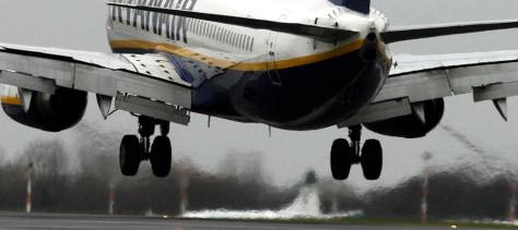 Image: Plane landing