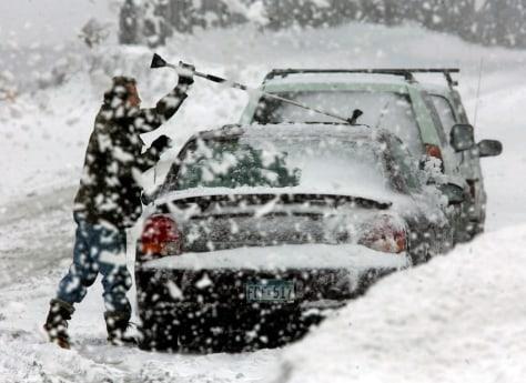 IMAGE: SNOW IN MINNEAPOLIS