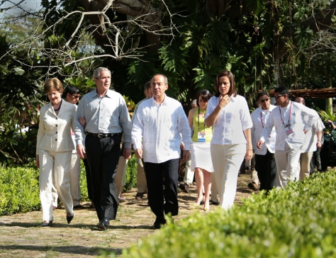 President Bush and first lady Laura Bush with Mexican President Felipe Calderon and his wife Margerita Zavala