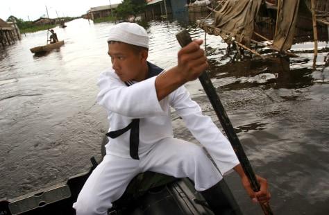 Image: Bolivian sailor