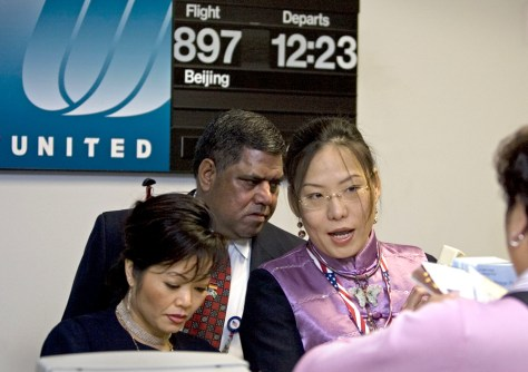 Image: Customer Service Representatives for United Airlines