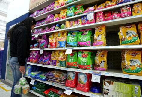 Image: China pet-food aisle