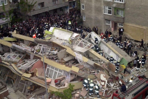 Image: Turkish building collapse