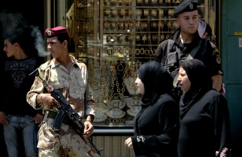 IMAGE: PALESTINIAN SOLDIERS IN RAMALLAH