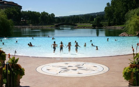 Image: Kids play in the pool at the Broadmoor