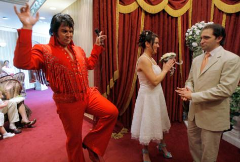 Image: Las Vegas wedding