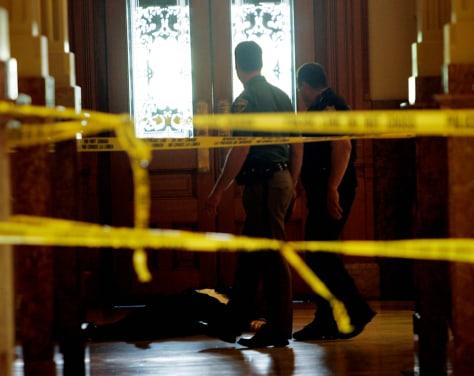 Image: Body of dead man