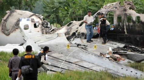 Image: Plane crash investigation