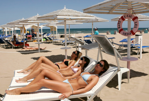 Image: Girls-only beach, Italy