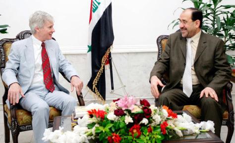 Image: Iraq's Prime Minister Nuri al-Maliki, U.S. Ambassador to Iraq Ryan Crocker
