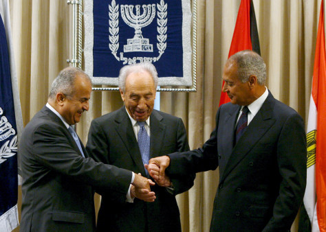 IMAGE: Israeli President Shimon Peres meets Arab League foreign ministers in Jerusalem