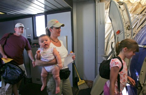 Image: Family boarding on Southwest Airlines